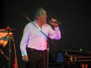 Philippe POIRIER chante au profit du TELETHON à Noyal Sur Vilaine